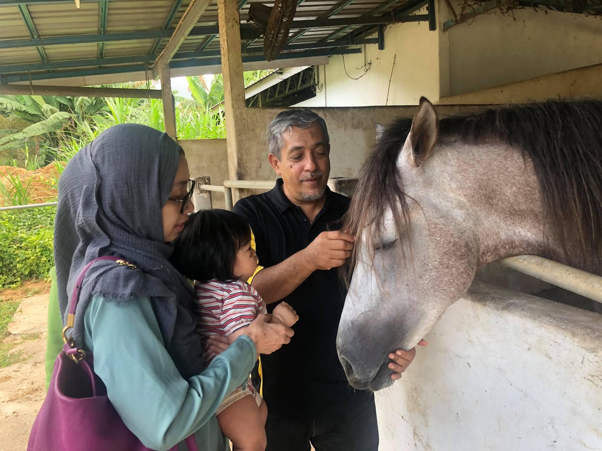 Duit Shaklee Bina Kandang Kuda Pusat Tahfiz